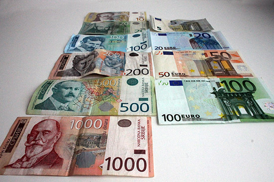 Exchanging money and paying in Serbia